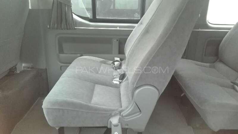 Toyota Hiace 2012 Image-7