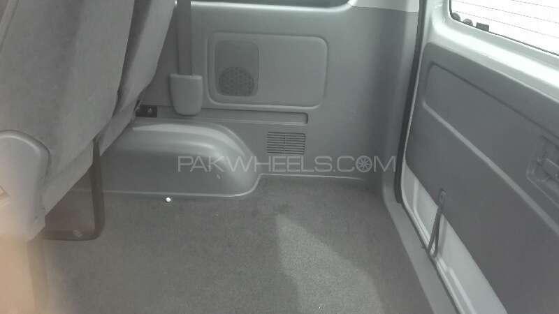 Toyota Hiace 2012 Image-10