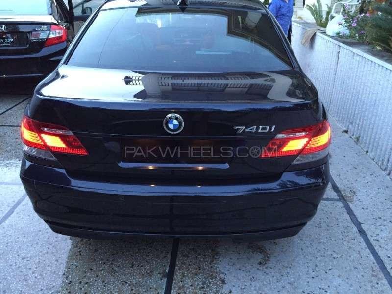 BMW 7 Series 2007 Image-5