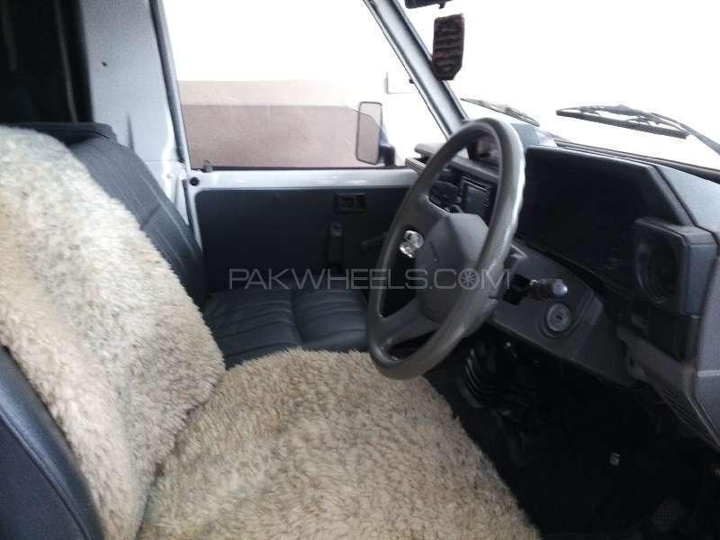 Toyota Land Cruiser 1986 Image-6