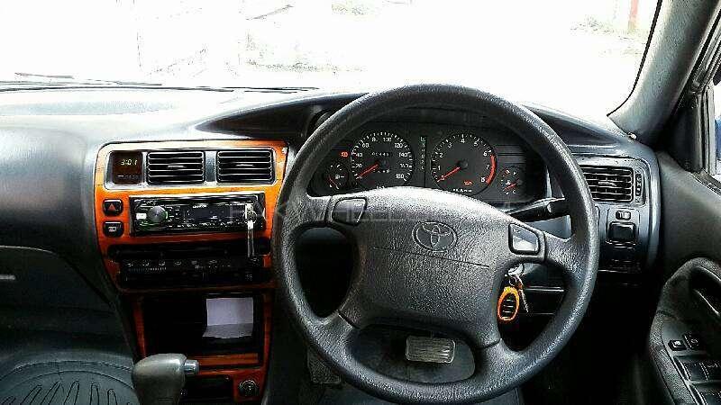 Toyota Corolla GLi Special Edition 1.6 1998 Image-3