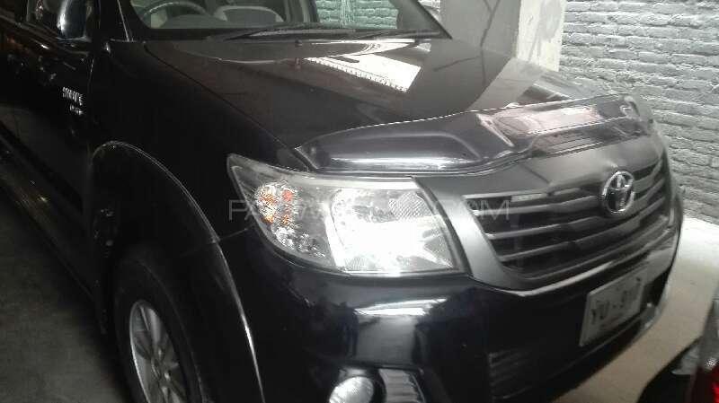 Toyota Hilux 2013 Image-2