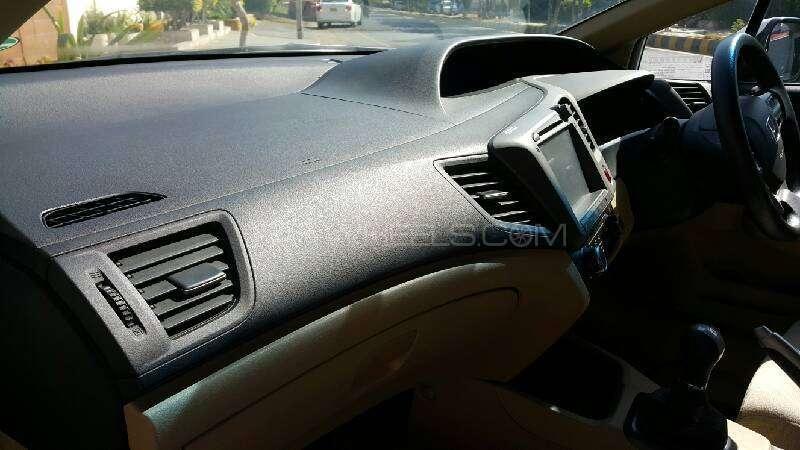 Honda Civic VTi 1.8 i-VTEC 2012 Image-5