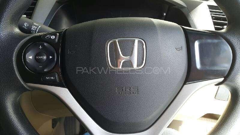Honda Civic VTi 1.8 i-VTEC 2012 Image-6