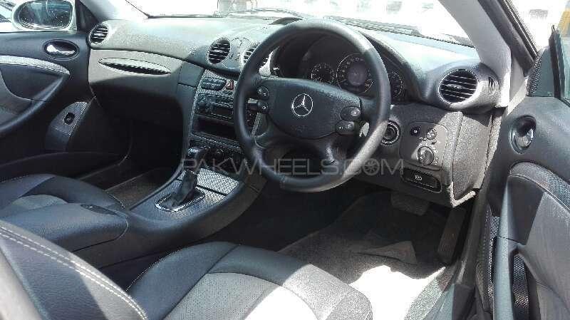 Mercedes Benz CLK Class 2002 Image-3