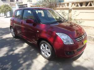 Slide_suzuki-swift-1-3-dlx-automatic-2015-11147634
