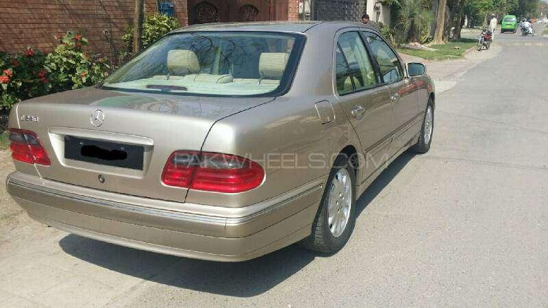 Mercedes Benz E Class E240 2001 Image-4