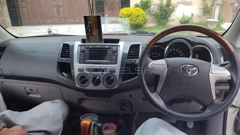 Toyota Hilux 2007 Image-6