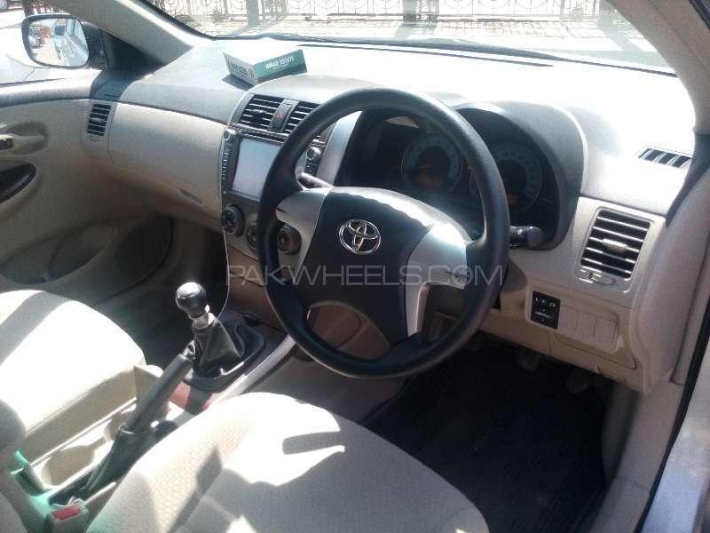 Toyota Corolla Altis 1.6 2011 Image-7