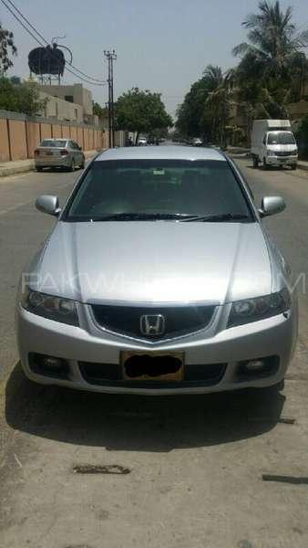 Honda Accord CL9 2003 Image-9