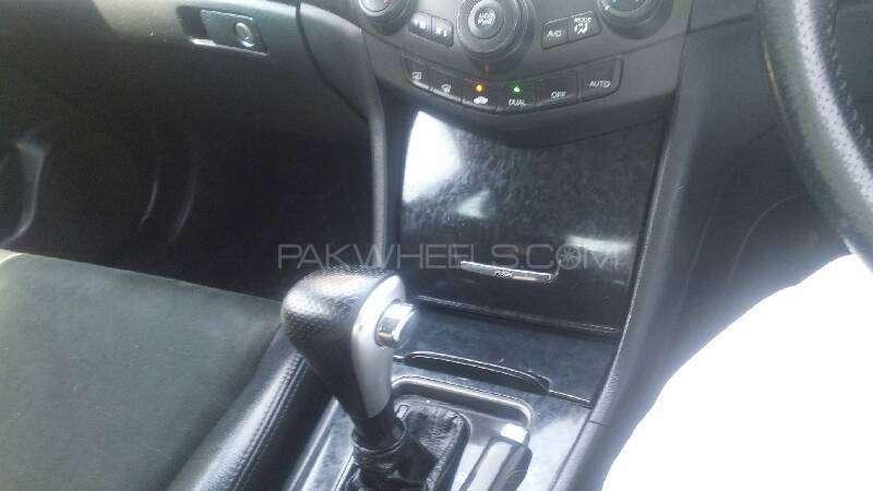 Honda Accord CL9 2003 Image-3