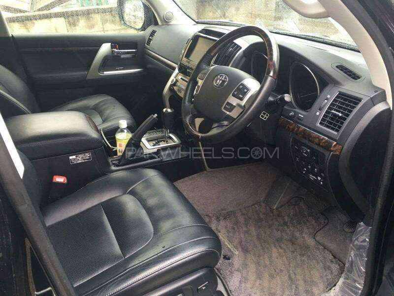 Toyota Land Cruiser ZX 60th Black Leather Selection 2013 Image-7