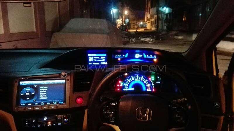 Honda Civic VTi Oriel Prosmatec 1.8 i-VTEC 2014 Image-3