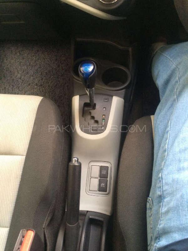 Toyota Aqua G 2012 Image-8