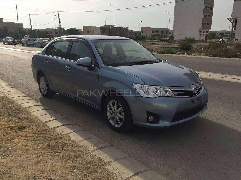 Toyota Corolla Axio Hybrid 1.5 2013 Image-6