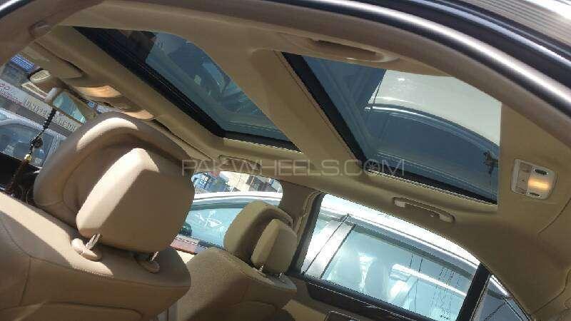 Mercedes Benz E Class E200 2012 Image-4