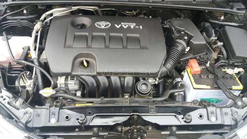 Toyota Corolla Altis Grande CVT-i 1.8 2014 Image-8