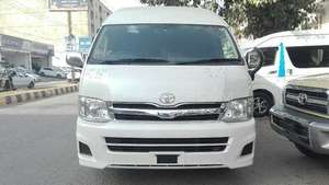 Toyota Hiace Grand Cabin 2014 for Sale in Karachi