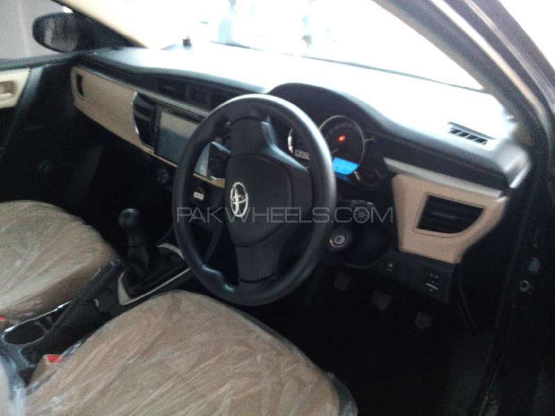 Toyota Corolla XLi VVTi 2015 Image-5