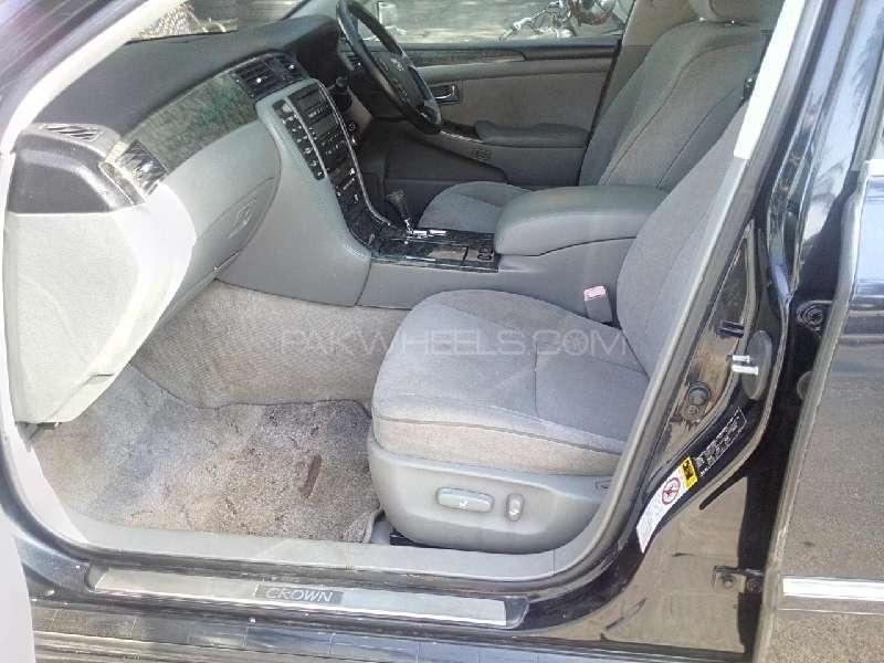 Toyota Crown Royal Saloon G 2004 Image-5