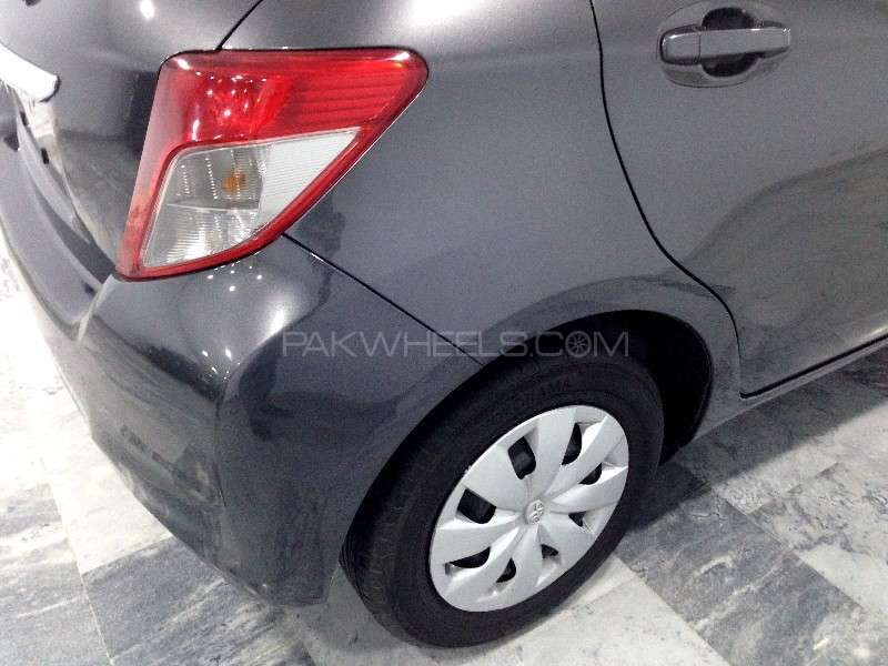 Toyota Vitz F Limited 1.0 2013 Image-4