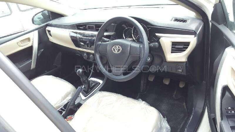Toyota Corolla GLi 1.3 VVTi 2015 Image-13