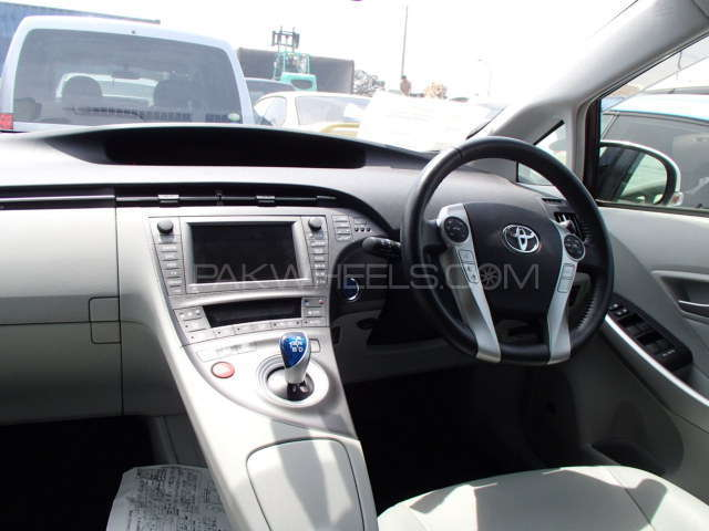 Toyota Prius G Touring Selection Leather Package 1.8 2012 Image-3