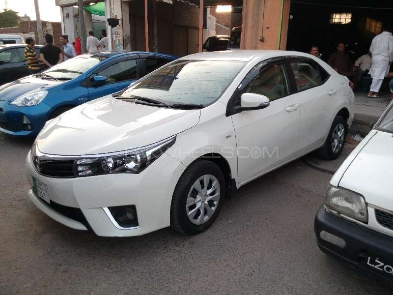 Toyota Corolla XLi VVTi 2015 Image-2