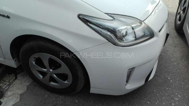 Toyota Prius S 1.8 2013 Image-6