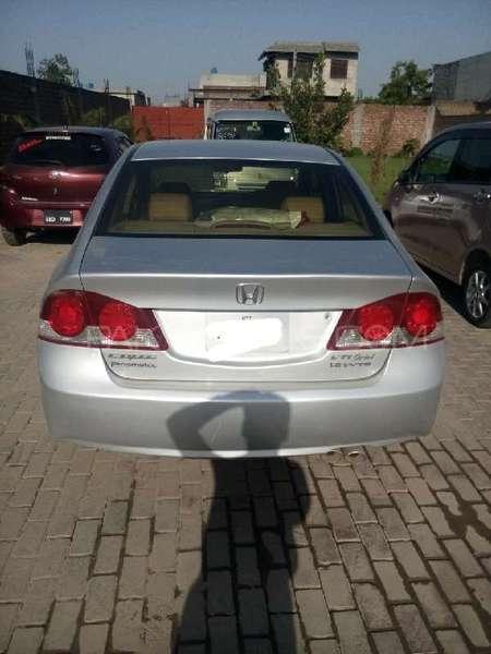 Honda Civic VTi Oriel Prosmatec 1.8 i-VTEC 2009 Image-4