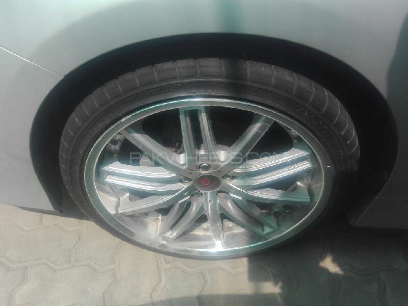 Lexus CT200h 2012 Image-5
