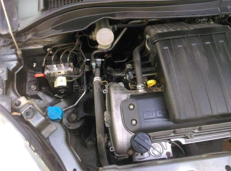 Suzuki Swift DLX 1.3 2011 Image-6