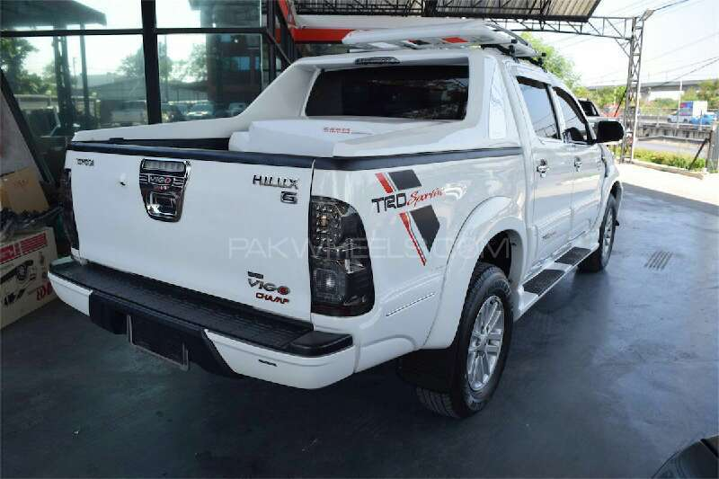 Toyota Hilux Vigo Champ G 2012 Image-6