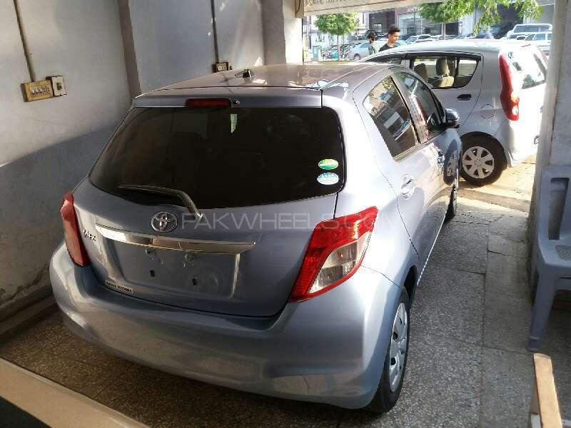 Toyota Vitz F Smile Edition 1.0 2013 Image-4