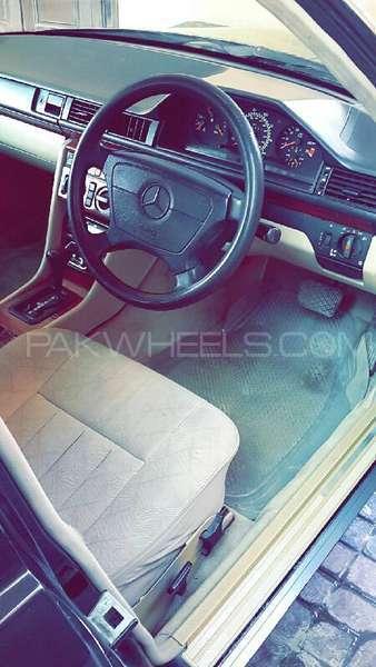 Mercedes Benz E Class E280 1993 Image-1