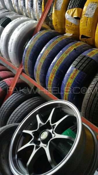Branded genuine tyres available on very competitive price Image-1