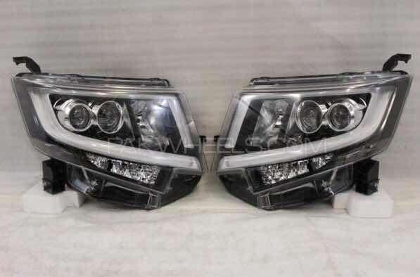 Move custom new head lights pair Image-1