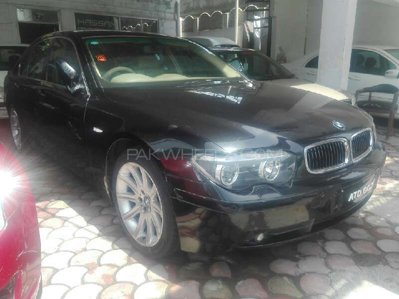 BMW 7 Series 735i 2002 Image-1