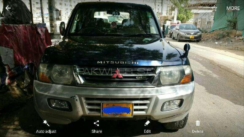 Mitsubishi Pajero GLX 3.5 2001 Image-1