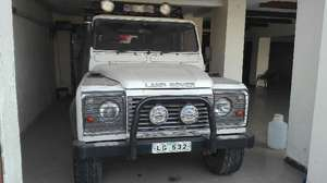Slide_land-rover-defender-130-2007-11782949