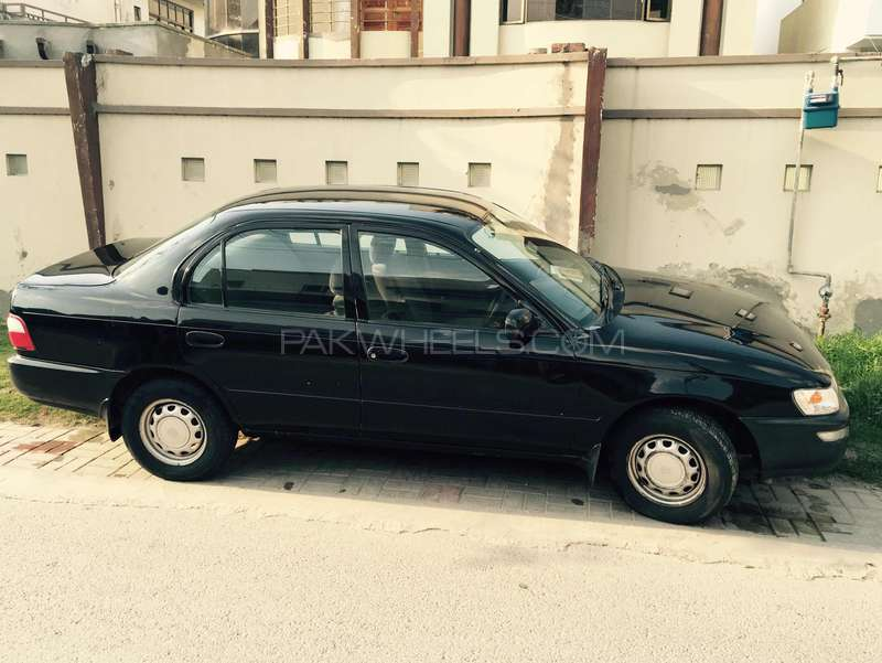 Toyota Corolla XE 1999 Image-6