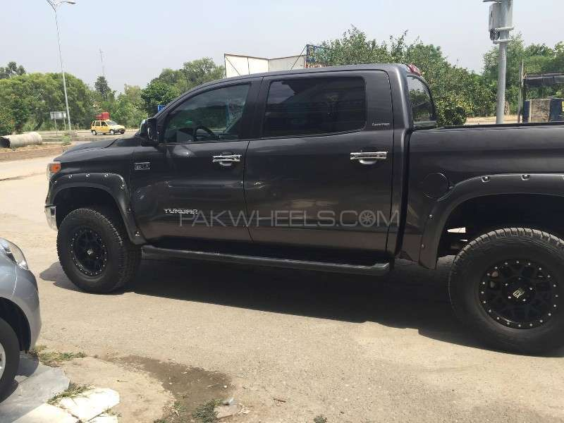 toyota tundra 2013 for sale in islamabad pakwheels. Black Bedroom Furniture Sets. Home Design Ideas