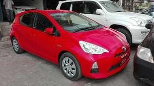 Used Toyota Aqua S 2013