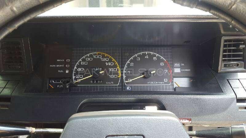 Toyota Corolla DX Saloon 1983 Image-9