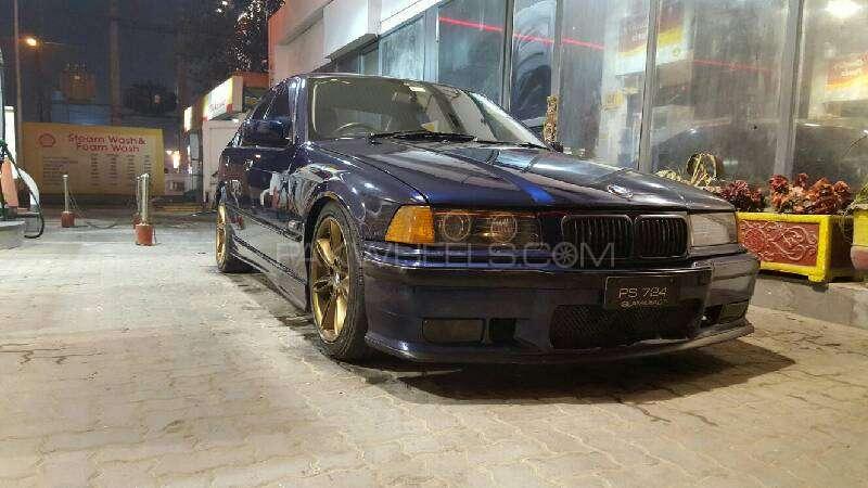 BMW 3 Series 1994 Image-5