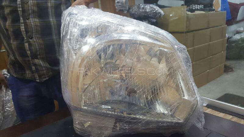 suzuki spacia right head light Image-1