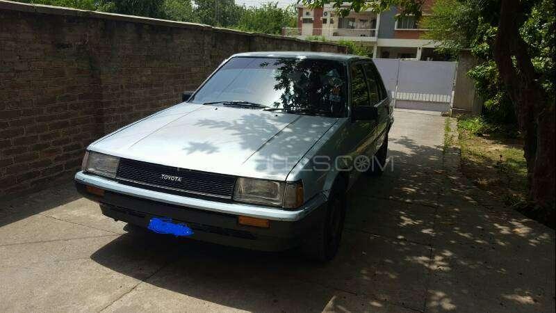 Toyota Corolla DX Saloon 1983 Image-14