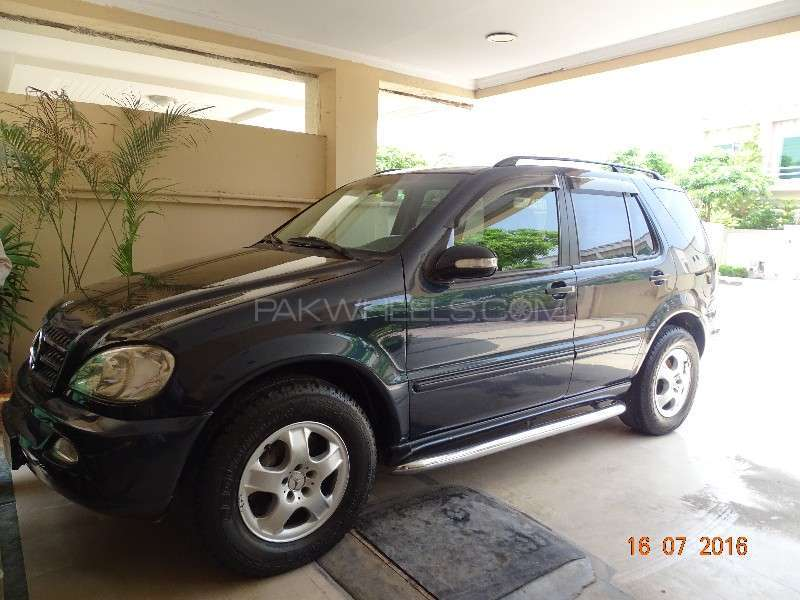 mercedes benz m class ml 270 cdi 2002 for sale in islamabad pakwheels. Black Bedroom Furniture Sets. Home Design Ideas