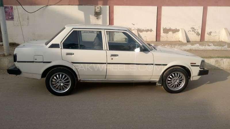 toyota corolla gl 1982 for sale in karachi pakwheels. Black Bedroom Furniture Sets. Home Design Ideas