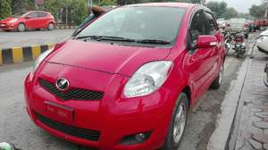 Toyota Vitz B 1.0 2009 for Sale in Lahore